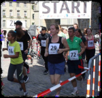 Jugendliche Laufen für Sans Papiers